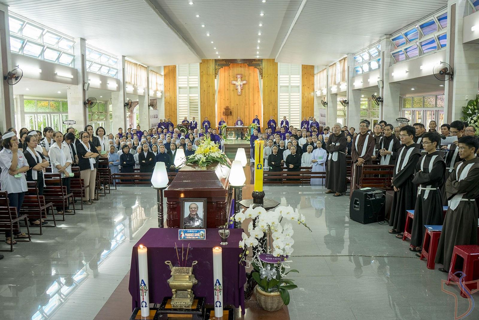 Dòng Phanxicô VN : Thánh lễ an táng cha Phanxicô Xaviê Vũ Phan Long