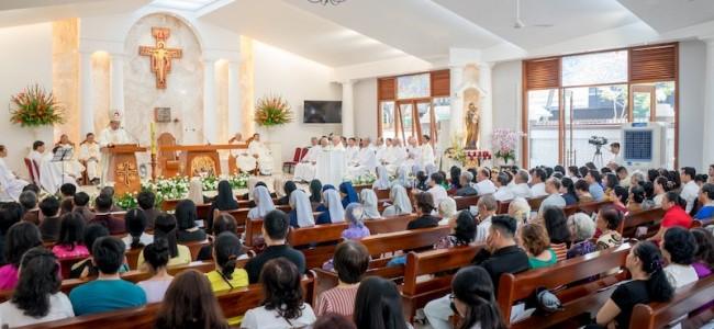 Thánh Lễ Tạ Ơn, Làm Phép Nhà Thờ Và Cung Hiến Bàn Thờ