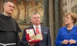 """Quốc vương Abdullah II của Giócđani nhận phần thưởng """"Ngọn đèn Hòa bình"""" tại Assisi"""